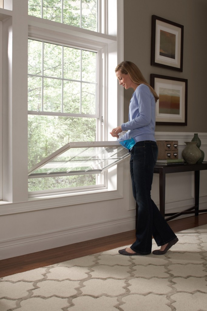 Cleaning a double-hung window